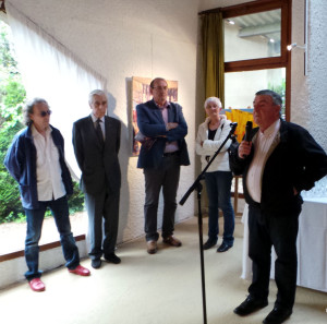 Le maire,pendant son discours à gauche, José Corréa et Yves Guéna
