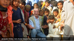 Jacques Hintzy, en mission au Pakistan pour l'UNICEF, en 2010