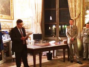 M. Pacreau (à g) et le général de Courrèges à droite