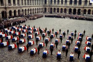 2 novembre 1983, dans la cour d'honneur des Invalides
